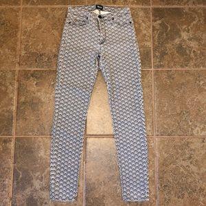 Hudson Shell Fan Design Skinny Jeans size 27